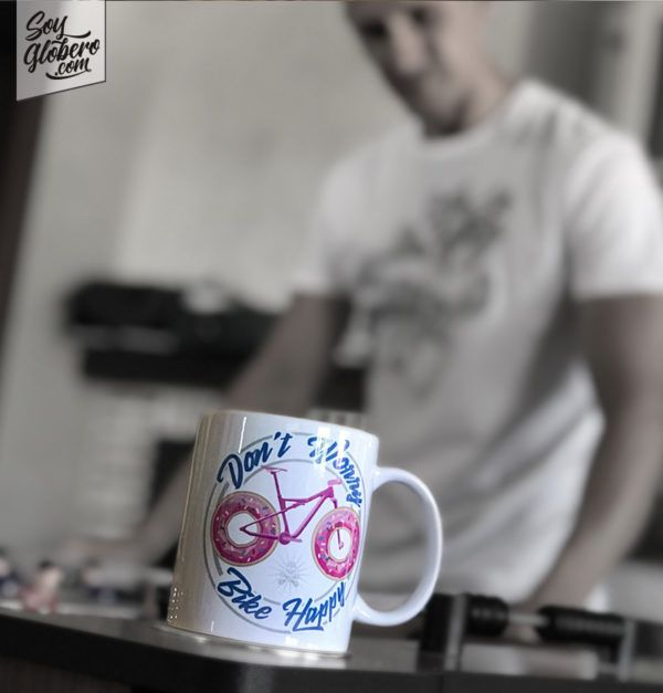 Taza de Soy Globero Dont Worry Bike Happy